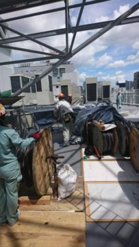 名古屋駅近辺テナントビル空調更新に伴う屋上室外機電源工事